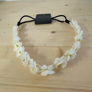 🌹5/25🌹• Forever 21 • NWT Floral Headband